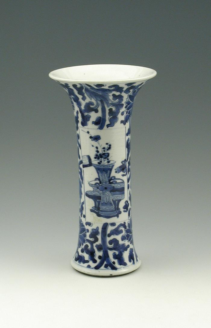 Blue and white porcelain vase with wide opening